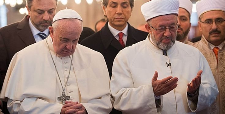 L'apostasia di Bergoglio nella Moschea blu