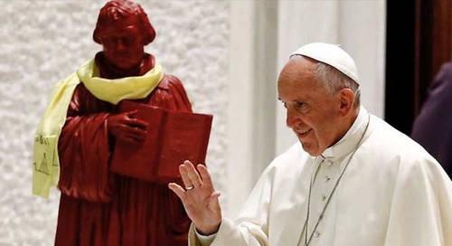 Il Vaticano annuncia che i Cattolici ormai riconoscono Martin Lutero come testimone del Vangelo